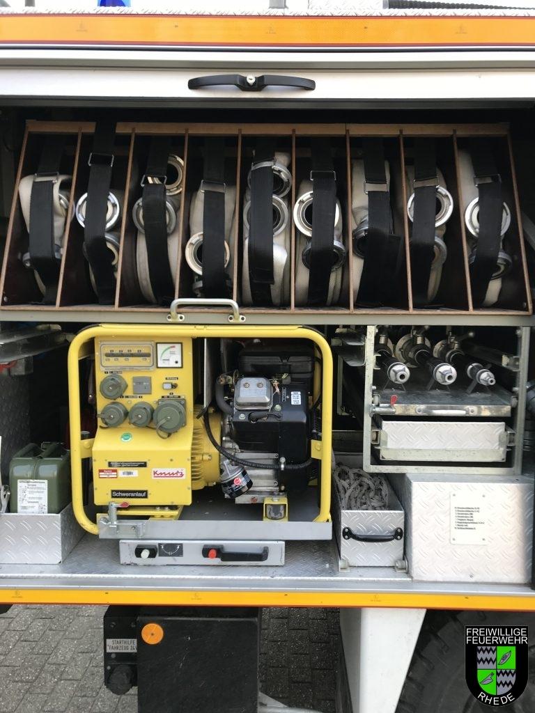 Geräteraum 4 mit Strahlrohren, B-Schläuchen und Stromaggregat